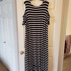 Lane Bryant Cold Shoulder Maxi Dress - sz 22